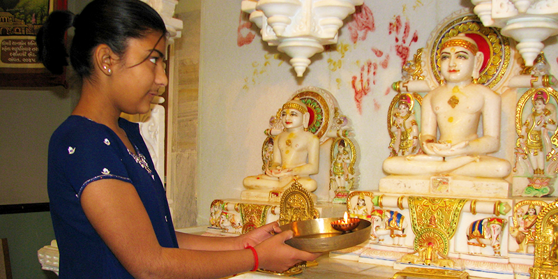 Worshipping Lord Mahavira
