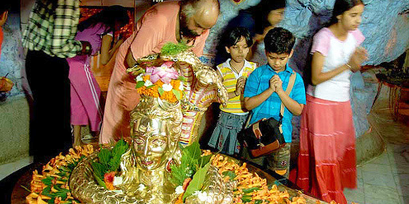 Mahashivratri celebrations in Tapkeshwar - Dehradun
