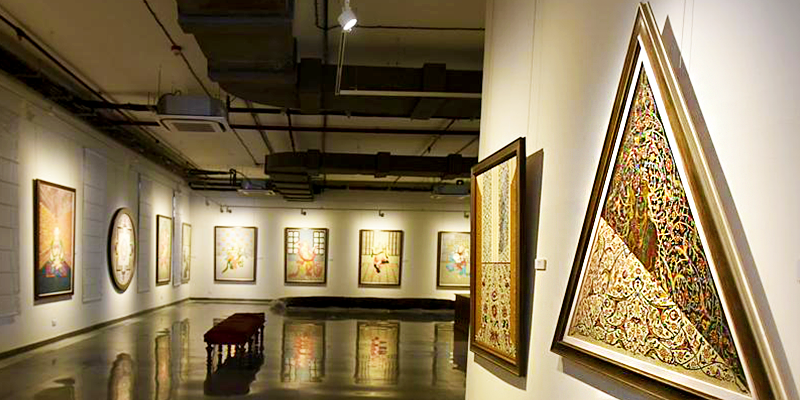 Arts and Paintings at Museum