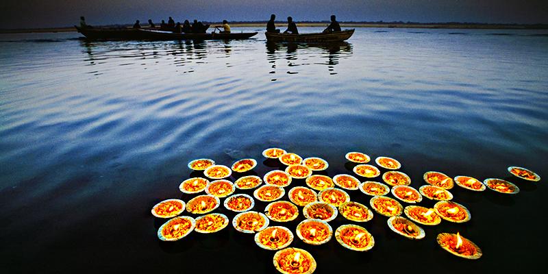 Floating diyas
