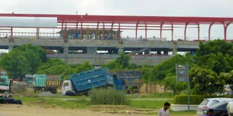 Skywaly facility in lucknow metro