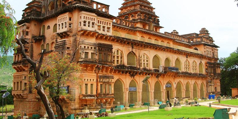 Chandagiri Fort images