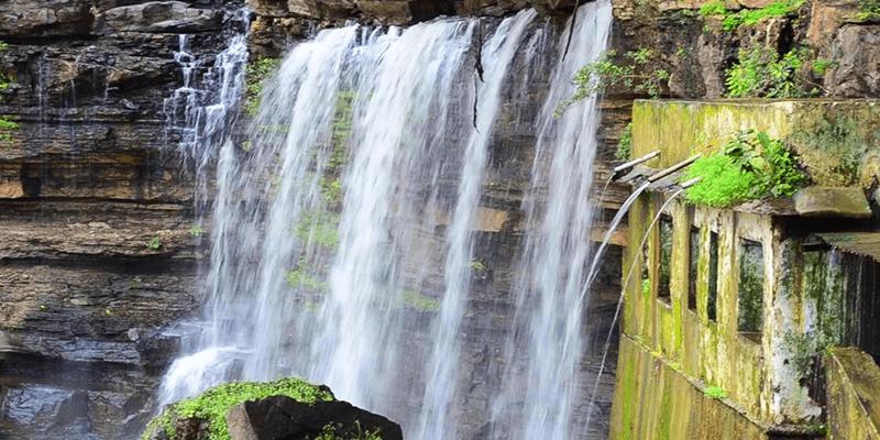 Kota Geparnath waterfall photos