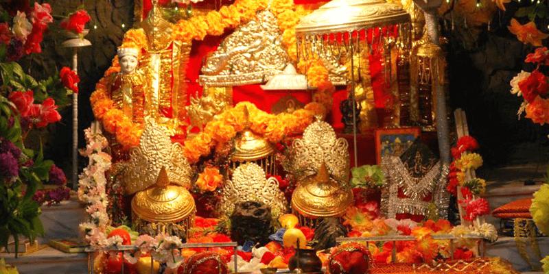 Mata Vaishno Devi idol