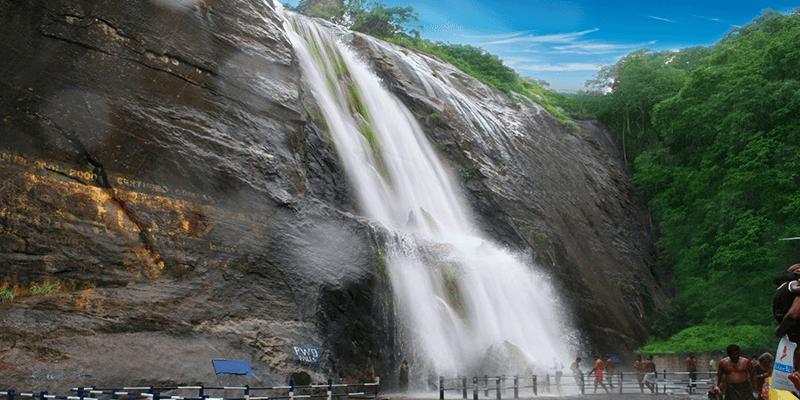 Peraruvi Falls